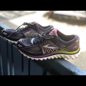 BROOKS Women GLYCERIN RUNNING SHOES BLACK  SZ 10B.